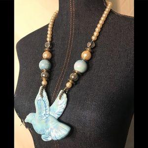 Jewelry - 💕 SALE!!! Stunningly designed blue bird necklace